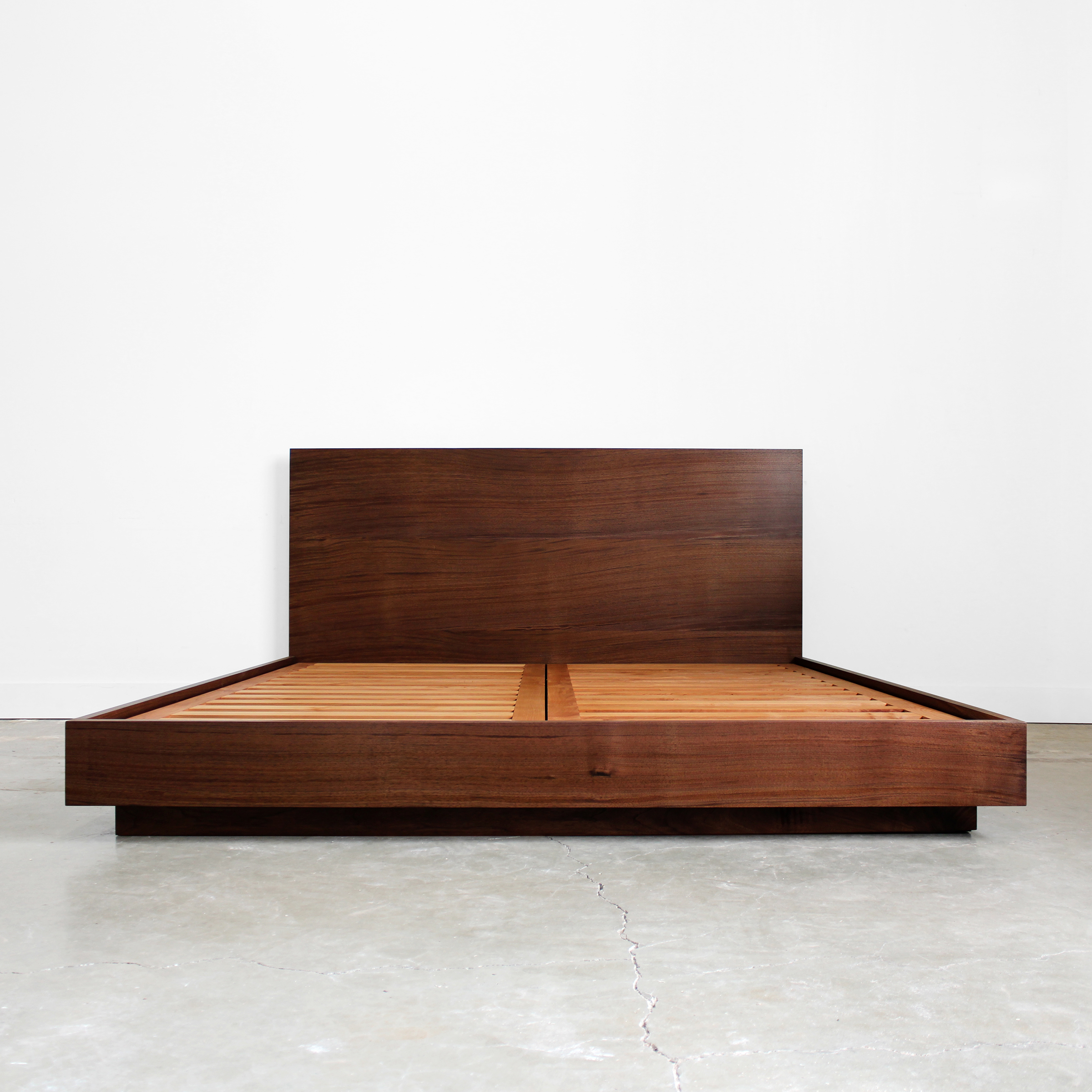 New! Hanko Plinth Bed
